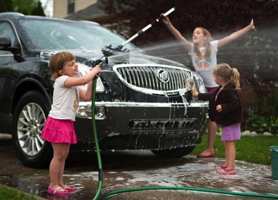 Как помыть автомобиль без разводов?