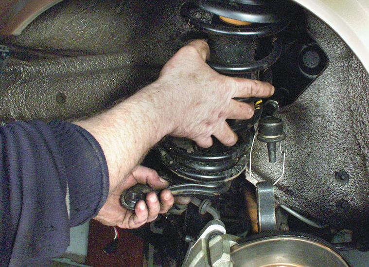 Ремонт задней и передней подвески автомобиля своими руками