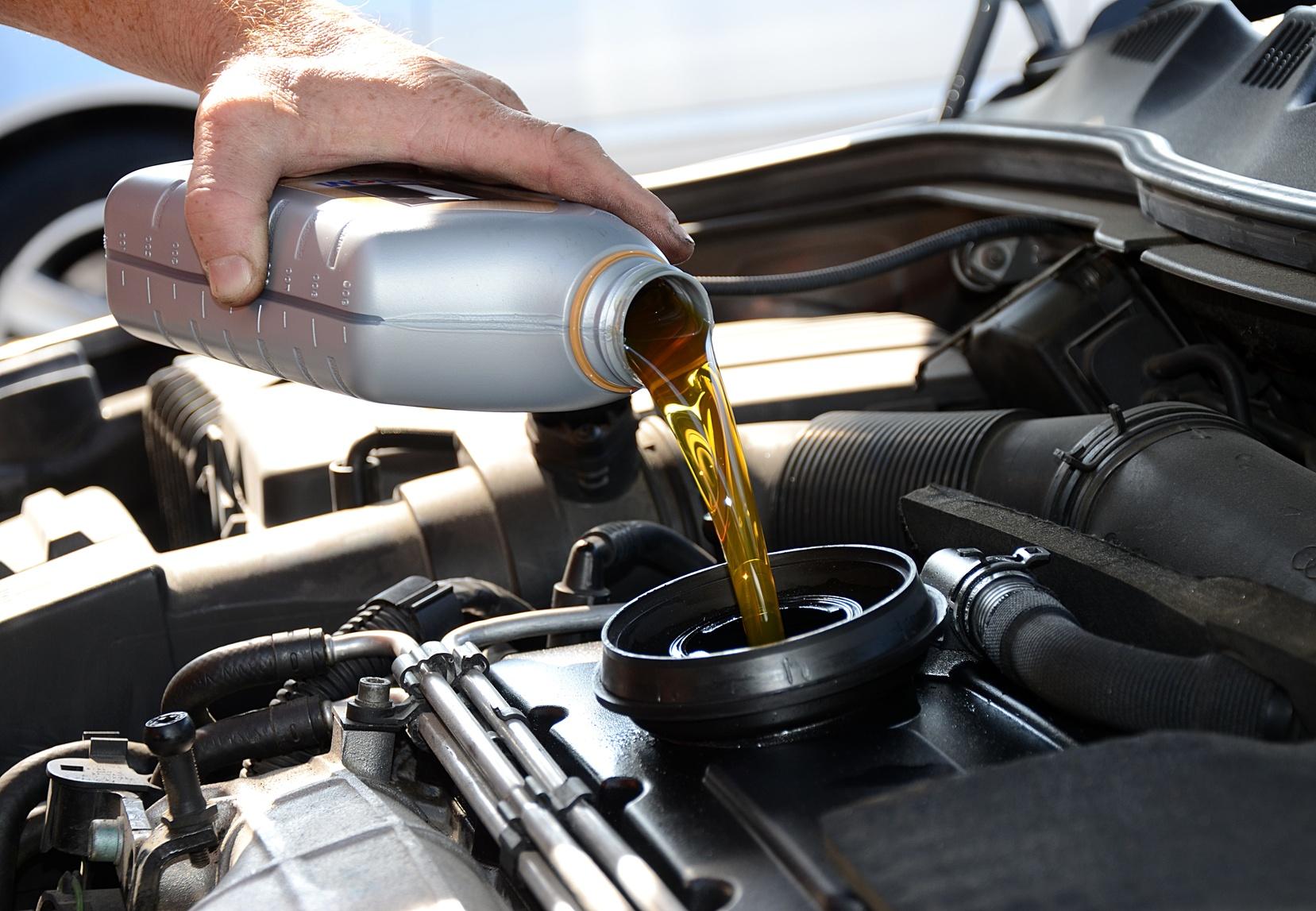 Как поменять моторное масло и не ошибиться?